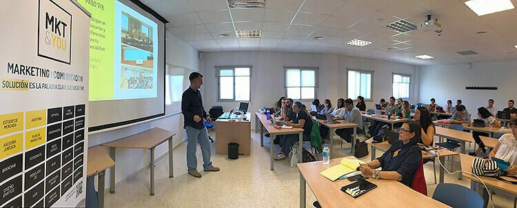 Máster marketing digital Universidad de Cádiz seminario Juan Galera aula