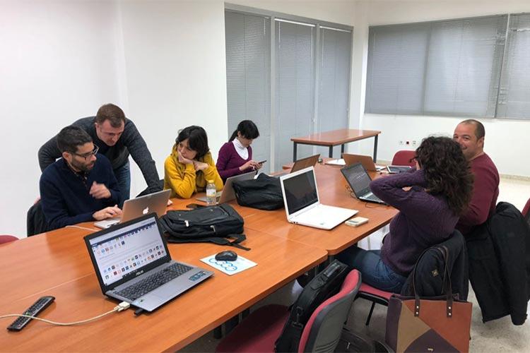 Universidad de Cádiz curso de Wordpress y redes sociales imagen destacada
