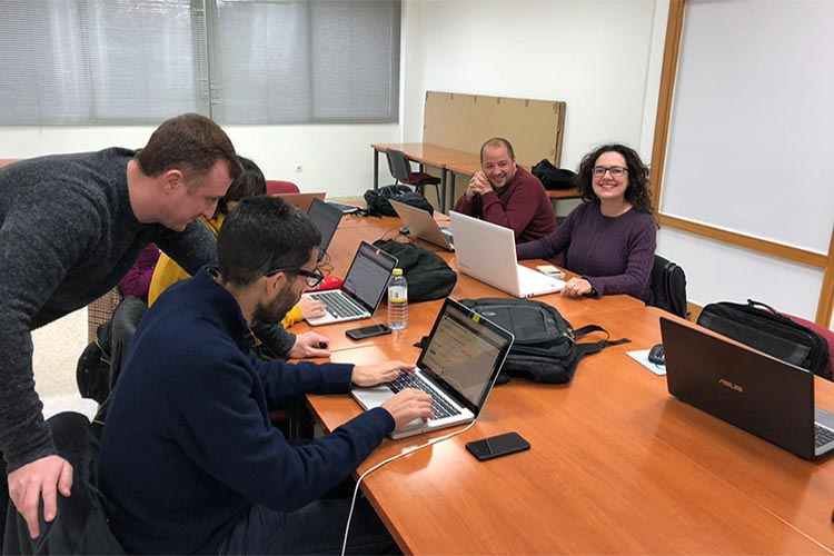 Curso de Wordpress y redes sociales Universidad de Cádiz profesores cerca