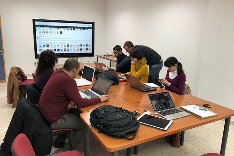 Curso de Wordpress y redes sociales Universidad de Cádiz profesores general