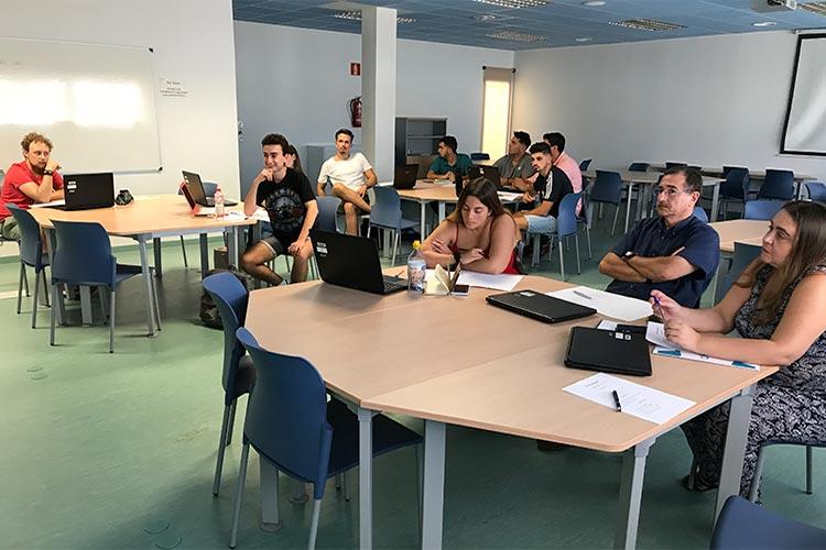 Taller TIC Juan Galera Cátedra Andalucía Emprende primer plano asistentes