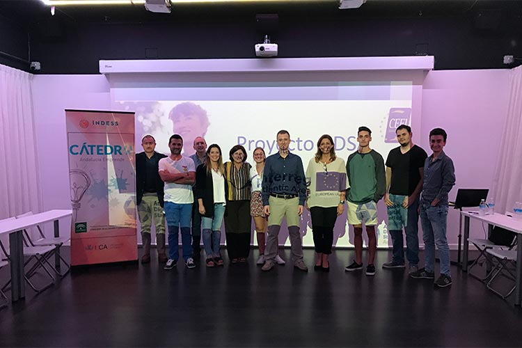 Taller TIC Juan Galera Centro Europeo de Empresas e Innovación imagen general ponente y asistentes