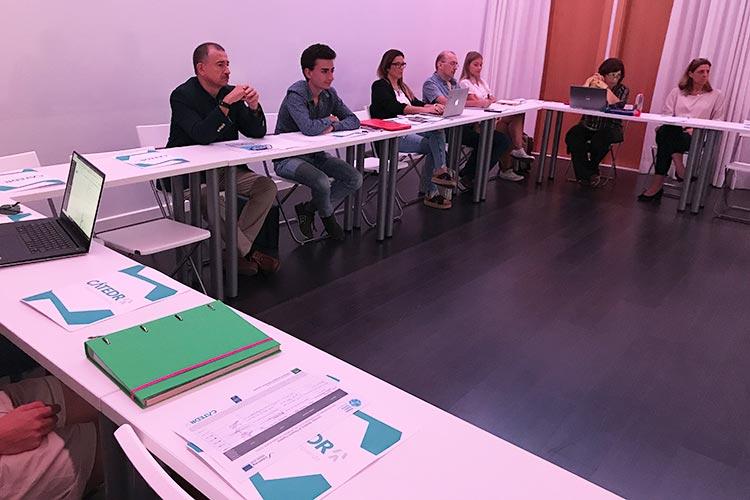 Taller TIC Juan Galera Centro Europeo de Empresas e Innovación plano asistentes frontal amplio