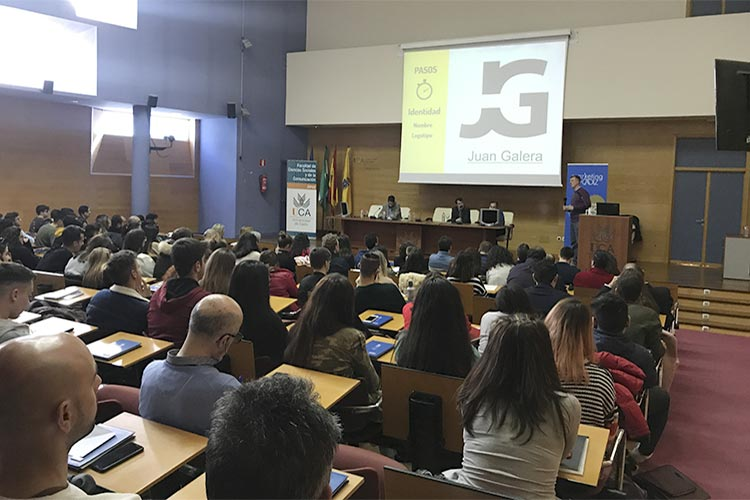 Presentación Asociación Marketing en Cádiz marca personal Juan Galera