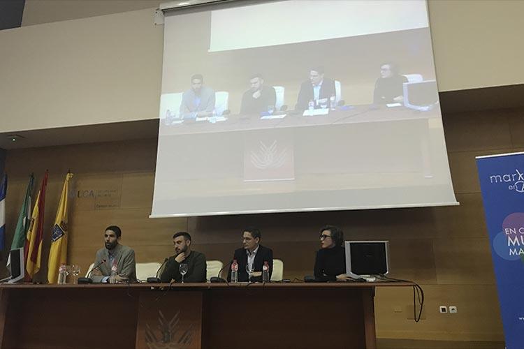 Presentación Asociación Marketing en Cádiz mesa redonda