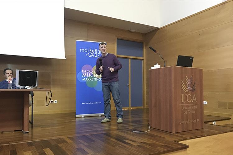 Presentación Asociación Marketing en Cádiz plano Juan Galera