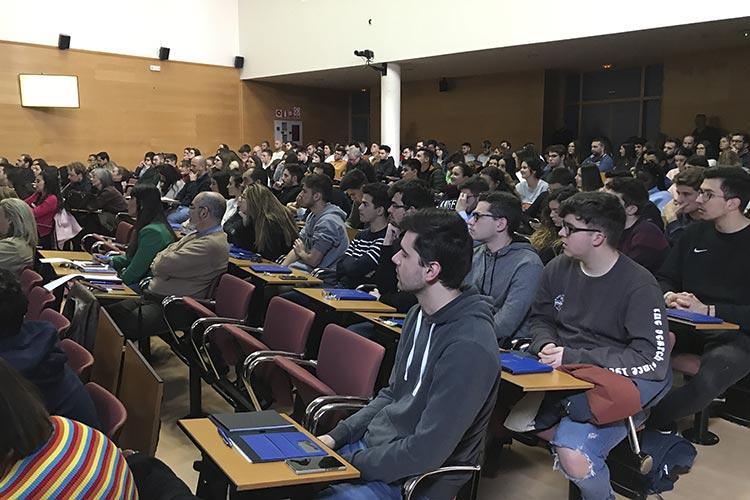 Presentación Asociación Marketing en Cádiz plano público