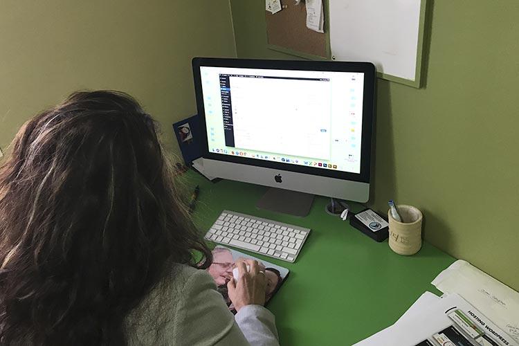 Diseño web y ecommerce curso Daria Gradella plano diseñadora gráfica