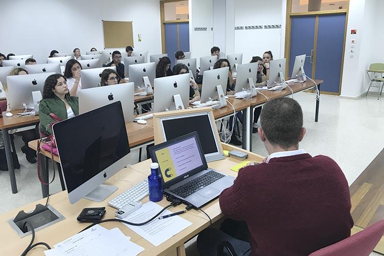 Curso de marketing digital y social media FUECA espacio de trabajo