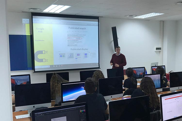 Curso de marketing digital y social media FUECA parte AdWords Express
