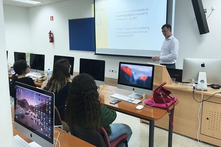 Curso de marketing digital y social media FUECA parte definición de objetivos