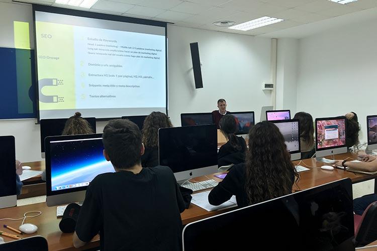 Curso de marketing digital y social media FUECA parte posicionamiento web
