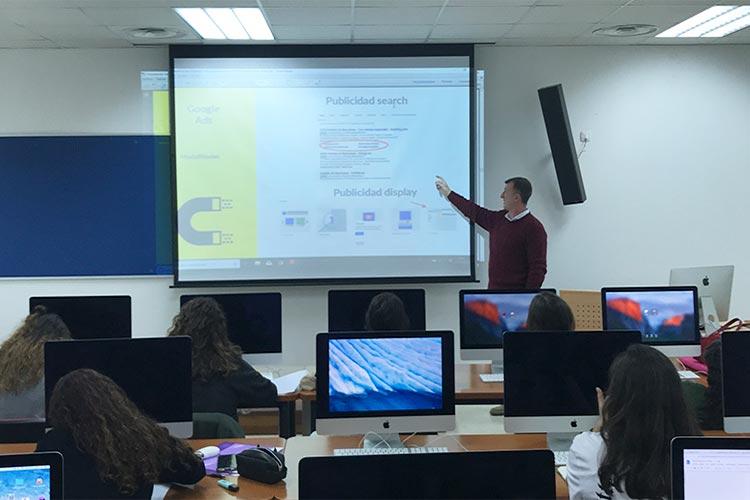 Curso de marketing digital y social media FUECA parte publicidad online