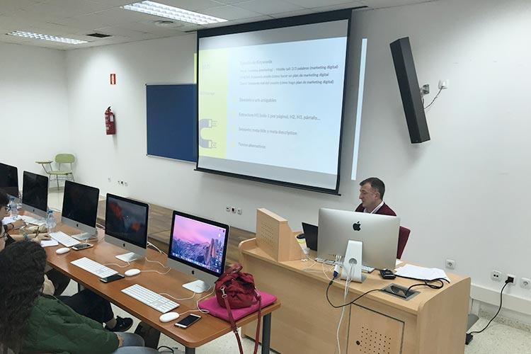 Curso de marketing digital y social media FUECA parte SEO