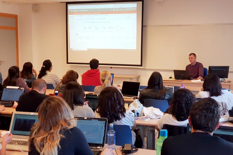Seminario planificación estratégica Máster marketing digital UCA análisis volumen de búsquedas
