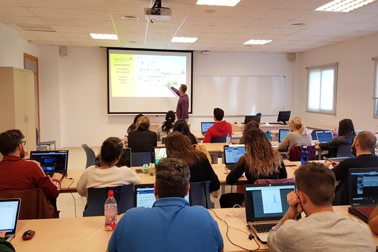 Seminario planificación estratégica Máster marketing digital UCA análisis de competencia
