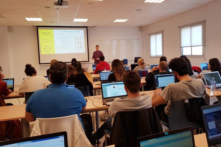 Marketing digital Máster UCA seminario planificación estratégica análisis del sector