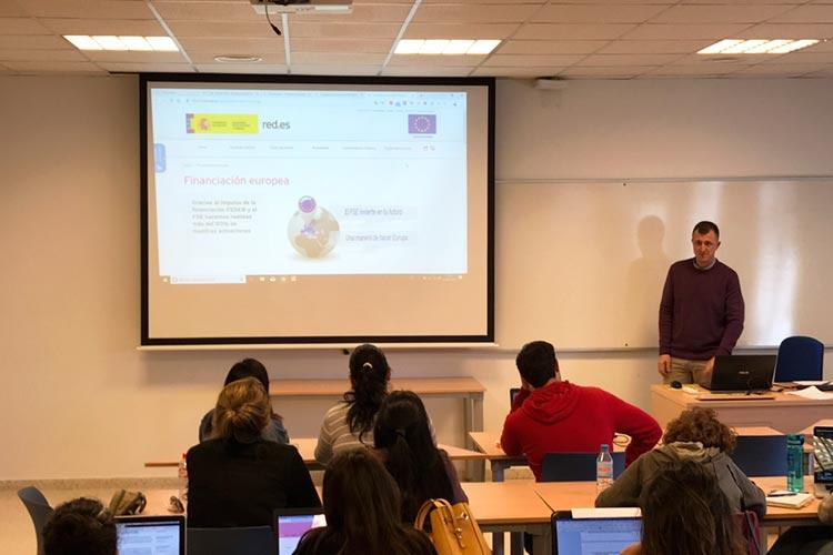 Seminario planificación estratégica Máster marketing digital UCA asesoramiento y financiación