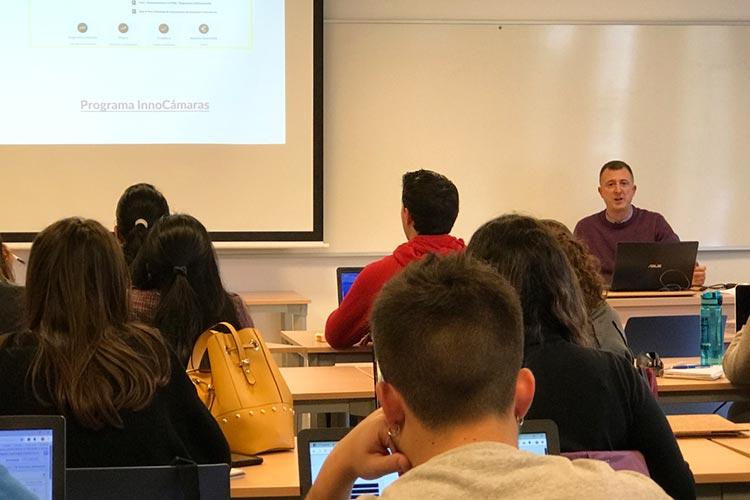 Seminario planificación estratégica Máster marketing digital UCA ayudas emprendimiento