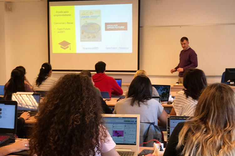 Marketing digital Máster UCA seminario planificación estratégica becas y concursos