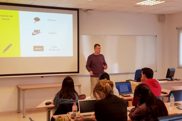 Marketing digital Máster UCA seminario planificación estratégica branding