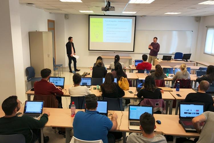Seminario planificación estratégica Máster marketing digital UCA interacción con alumnos