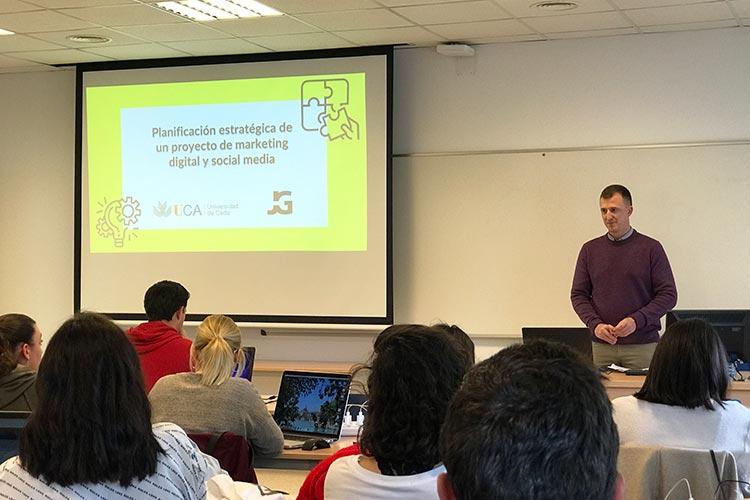 Marketing digital Máster UCA seminario planificación estratégica introducción clase