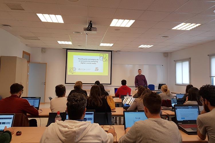 Seminario planificación estratégica Máster marketing digital UCA presentación profesor