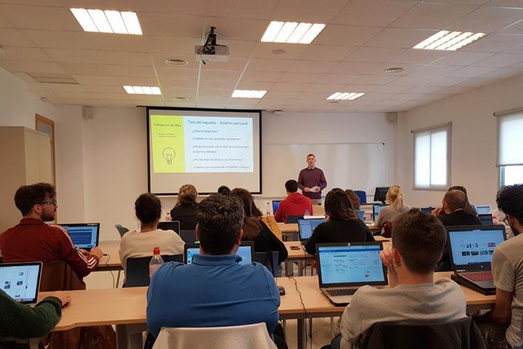 Marketing digital Máster UCA seminario planificación estratégica validación de ideas