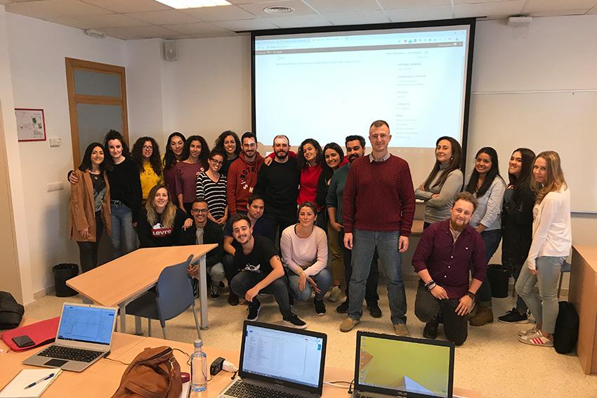 Curso de diseño web profesor y alumnos