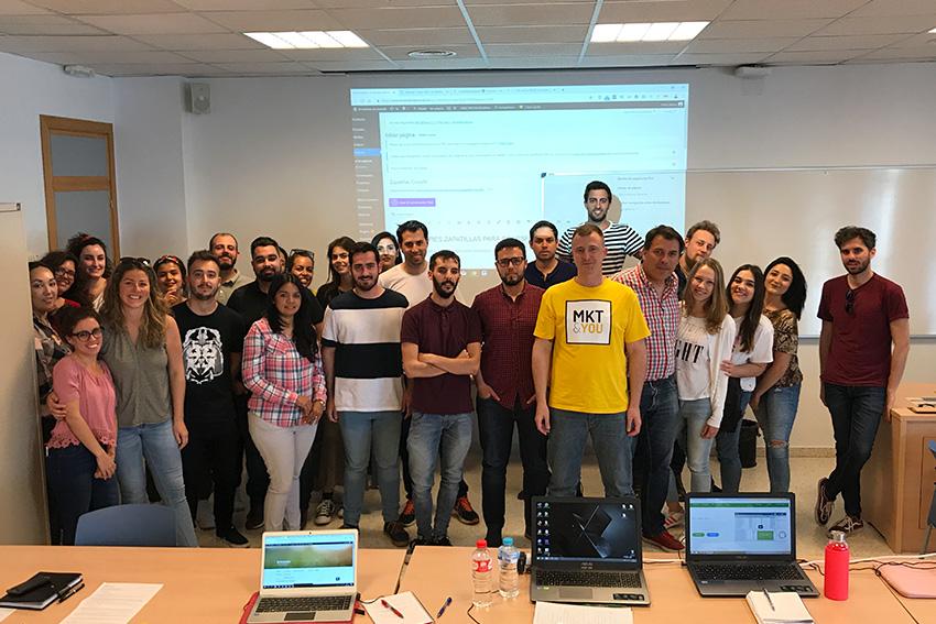 Curso de SEO y posicionamiento web profesor y alumnos