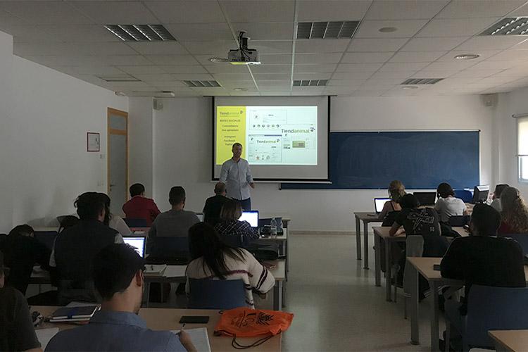 Taller de estrategia para proyectos digitales UCA análisis de la competencia concordancia en redes sociales