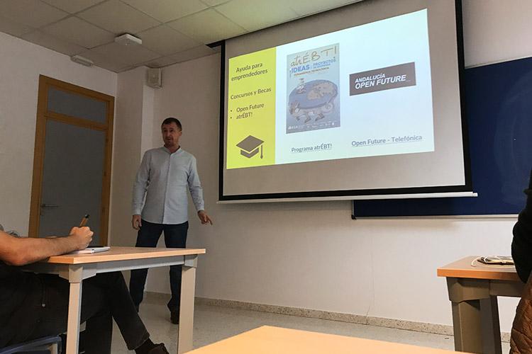 Taller de estrategia para proyectos digitales UCA beca Open Future Telefónica