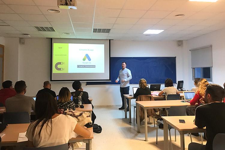 Taller de estrategia para proyectos digitales UCA publicidad online SEM
