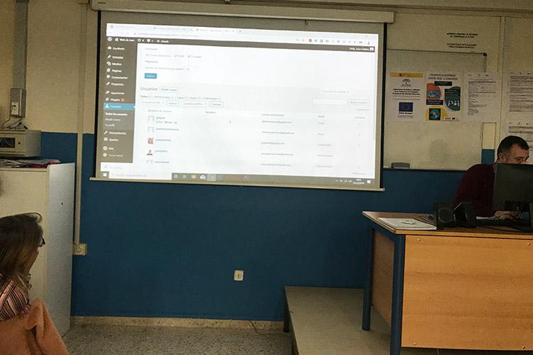 Curso diseño web y ecommerce Instituto Andrés Benítez agregación y gestión de permisos de usuario