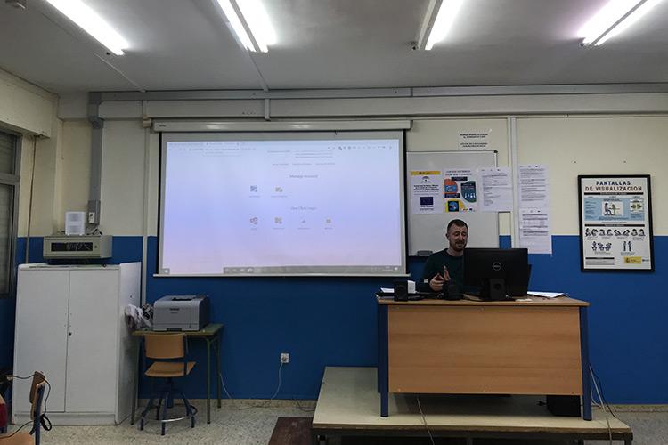 Curso diseño web y ecommerce Instituto Andrés Benítez configuración hosting
