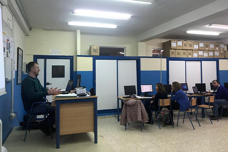 Curso diseño web y ecommerce Instituto Andrés Benítez control de asistencia