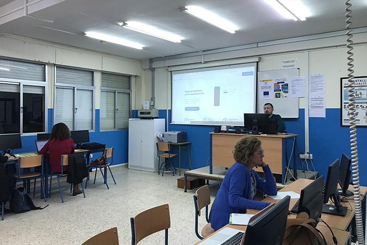 Curso diseño web y ecommerce Instituto Andrés Benítez hosting gratuito Demos WP