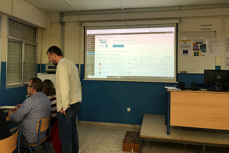Curso diseño web y ecommerce Instituto Andrés Benítez importación de productos explicación individual
