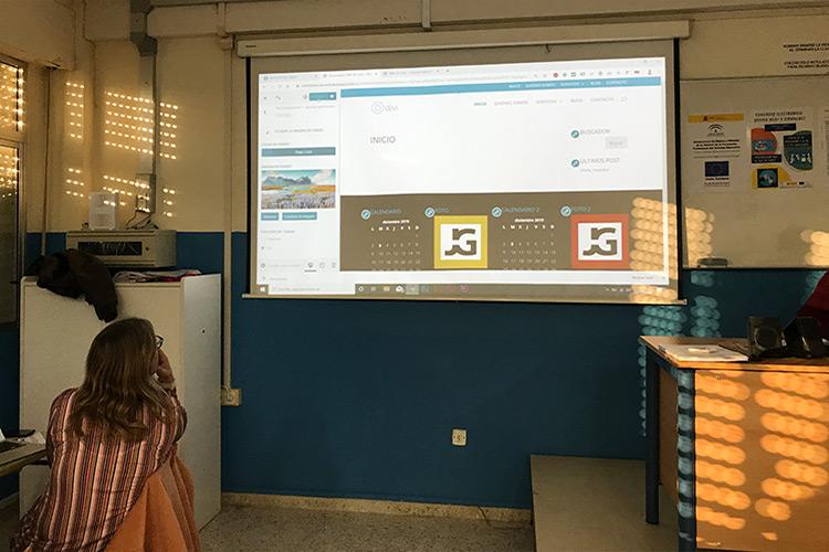 Curso diseño web y ecommerce Instituto Andrés Benítez parte Divi creación cabecera y menú