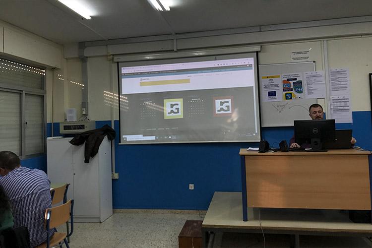 Curso diseño web y ecommerce Instituto Andrés Benítez parte Divi inserción logotipo empresa