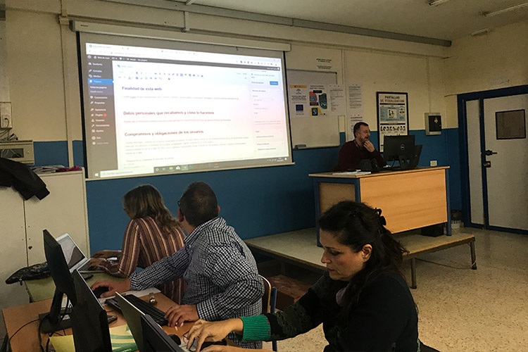 Curso diseño web y ecommerce Instituto Andrés Benítez Política de Privacidad back office