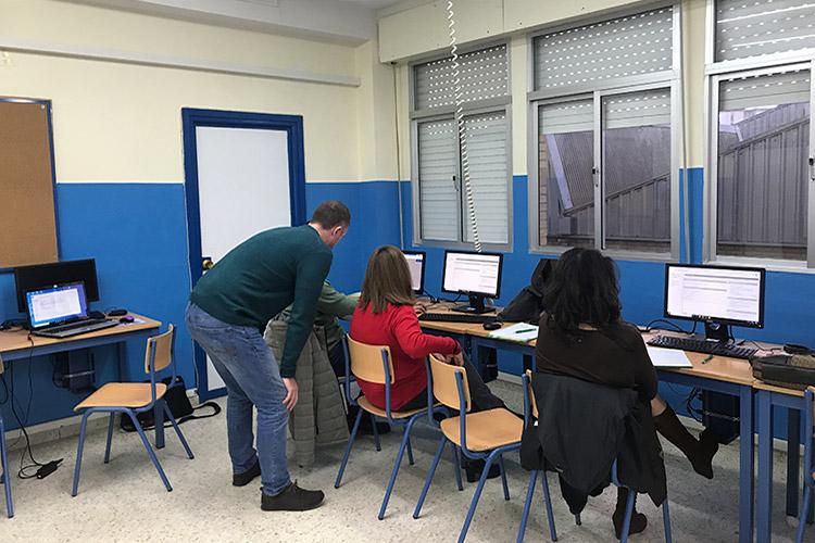 Curso diseño web y ecommerce Instituto Andrés Benítez resolución dudas primer grupo derecha