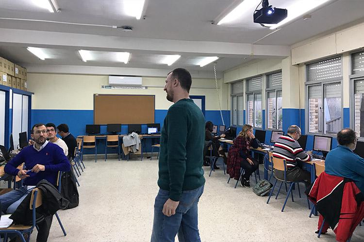 Curso diseño web y ecommerce Instituto Andrés Benítez resolución dudas primer grupo izquierda