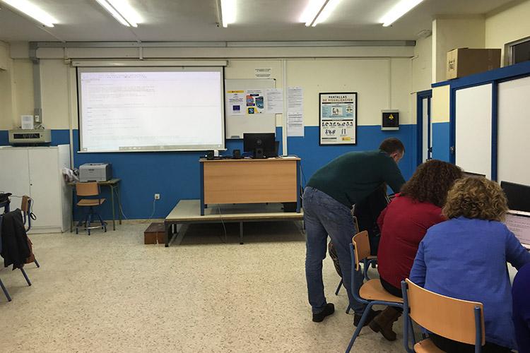 Curso diseño web y ecommerce Instituto Andrés Benítez resolución dudas segundo grupo izquierda