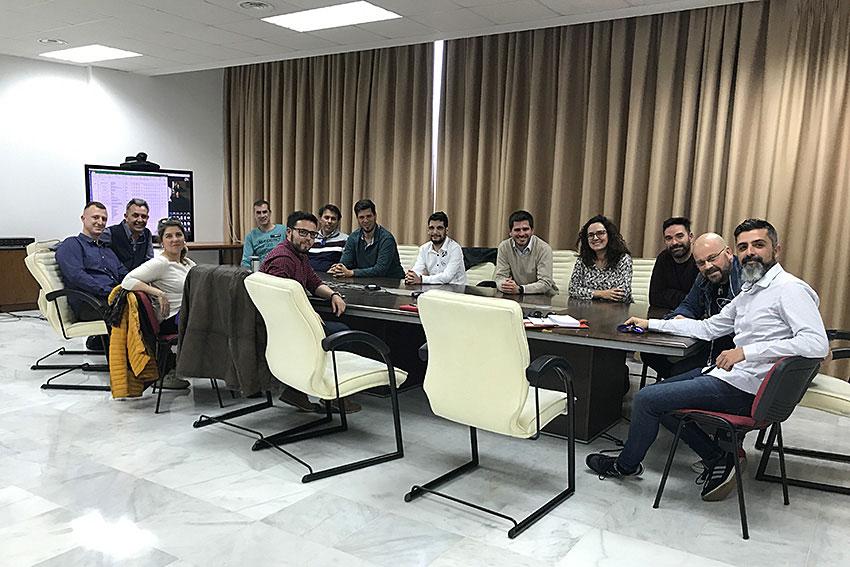 Máster Online Marketing Digital UCA FUECA reunión slider