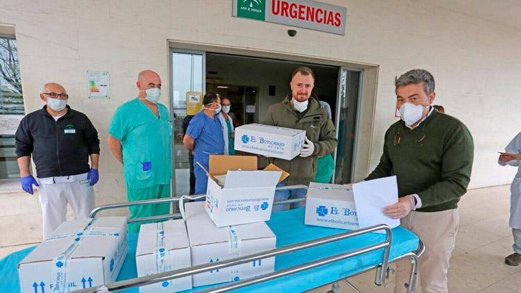 Acción Responsabilidad Social Corporativa El Boticario en Casa Coronavirus COVID-19 entrega mascarillas Urgencias