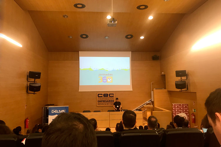 Jornadas 360 Encuentros Profesionales Marketing Digital Cádiz ponencia Álvaro Sáez introducción