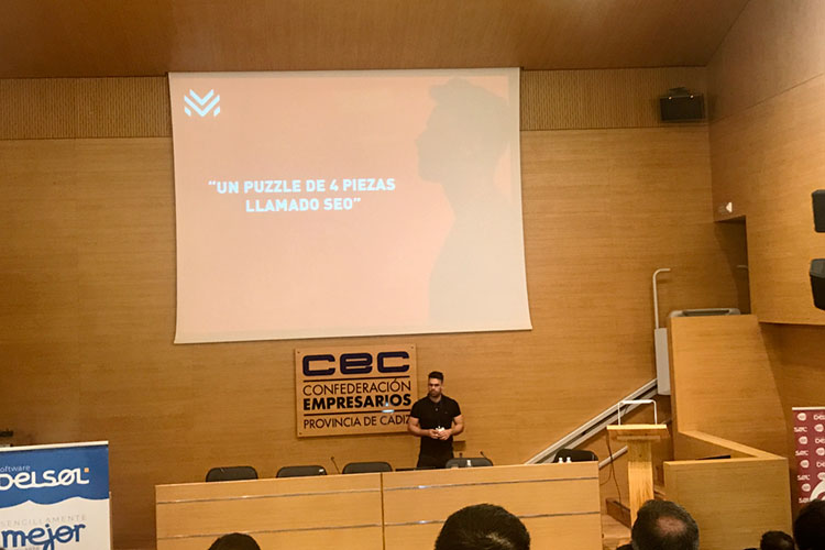 Jornadas 360 Encuentros Profesionales Marketing Digital Cádiz ponencia Luis Villanueva claves optimización SEO cerca