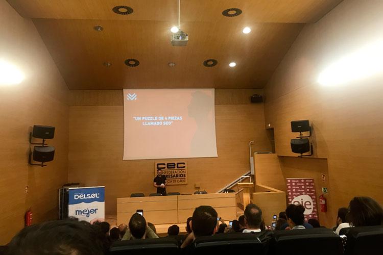 Jornadas 360 Encuentros Profesionales Marketing Digital Cádiz ponencia Luis Villanueva claves optimización SEO lejos